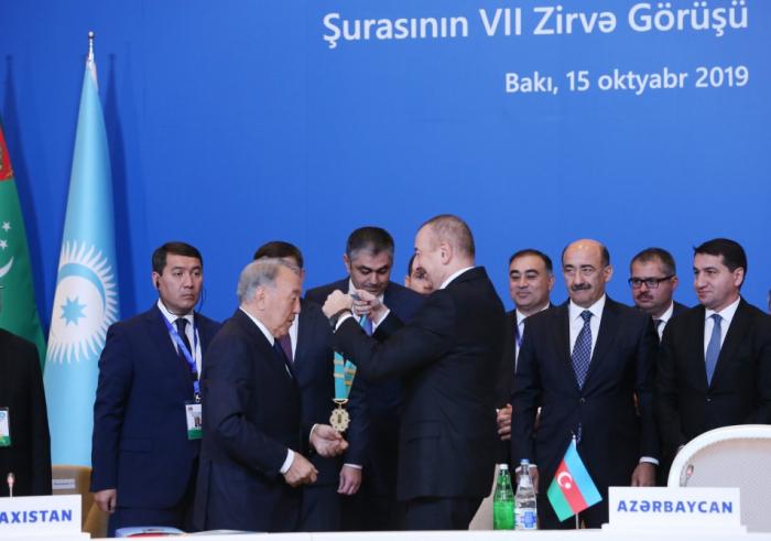 """Bakıda Nazarbayevə """"Türk Dünyasının Ali Ordeni"""" verildi - VİDEO+ FOTOLAR (Yenilənib)"""