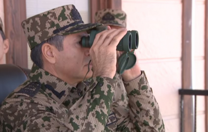 Vilayat Eyvazov observa entrenamiento táctico especial -  VIDEO