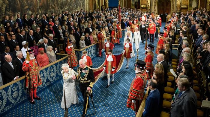 La monarquía británica se despide de Europa