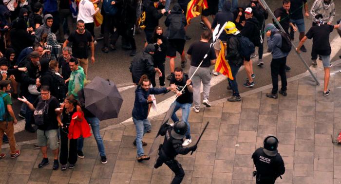 Las protestas en Cataluña dejan más de 130 heridos