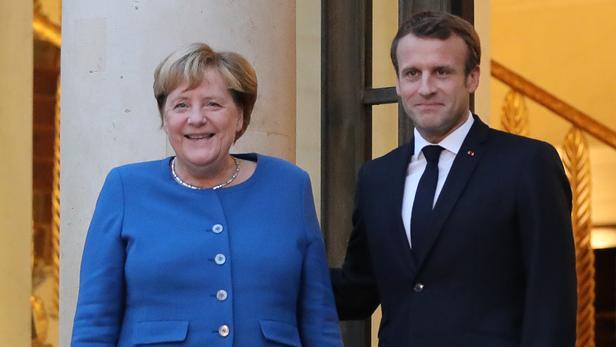 Macron retrouve Merkel pour resserrer le couple franco-allemand