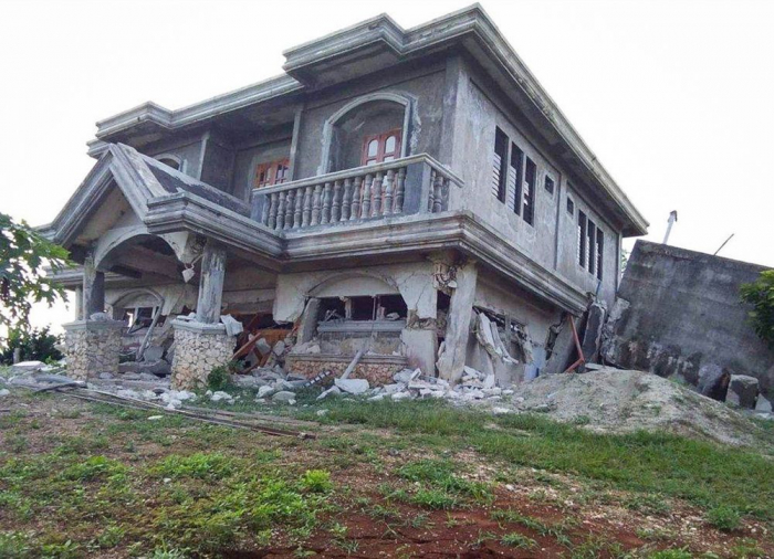 Philippines earthquake: Major 6.4-magnitude quake hits Mindanao island