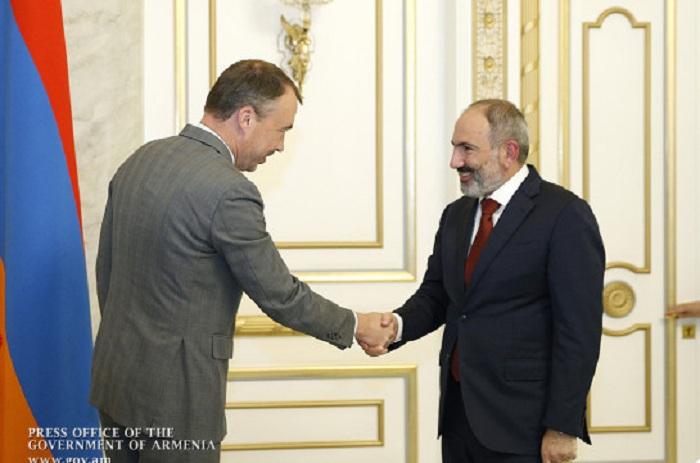 Pashinian discute du Karabagh avecle représentant spécial del