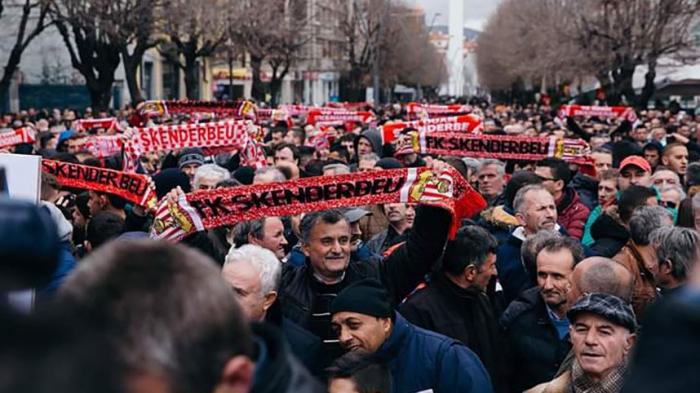 Wie Spielmanipulationen den albanischen Fußball zerstören