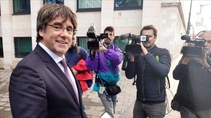 Puigdemont  , en libertad tras comparecer ante la justicia belga tras la nueva euroorden