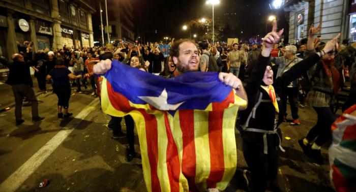 Tregua con incidentes aislados en la sexta jornada de protestas en Barcelona