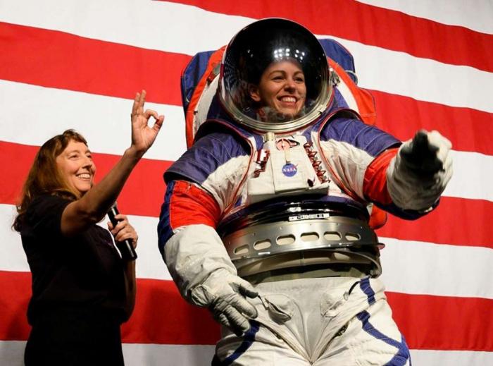La Nasa a dévoilé les combinaisons des astronautes qui marcheront sur la Lune