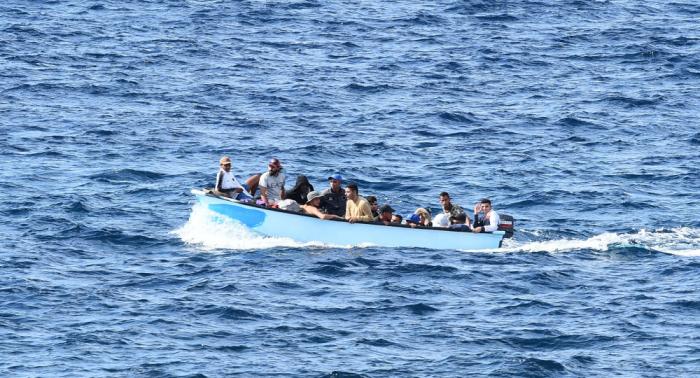 Medio centenar de migrantes desembarcan en el sur de Italia