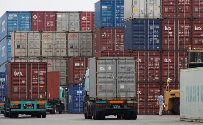 Japans Exportschwäche könnte Lockerung der Geldpolitik auslösen