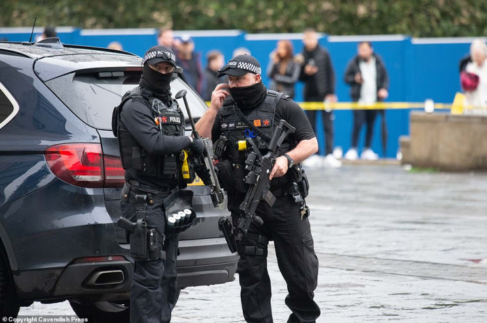 Oslo attack: Armed man steals ambulance and is shot at by police