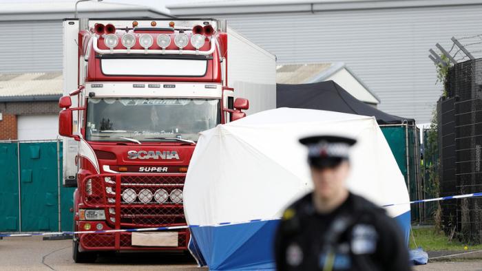 Todo lo que se sabe sobre el hallazgo de 39 cadáveres en un camión en el Reino Unido