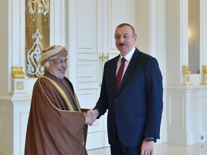 Prezident Omanın Dövlət Şurasının sədri ilə görüşüb