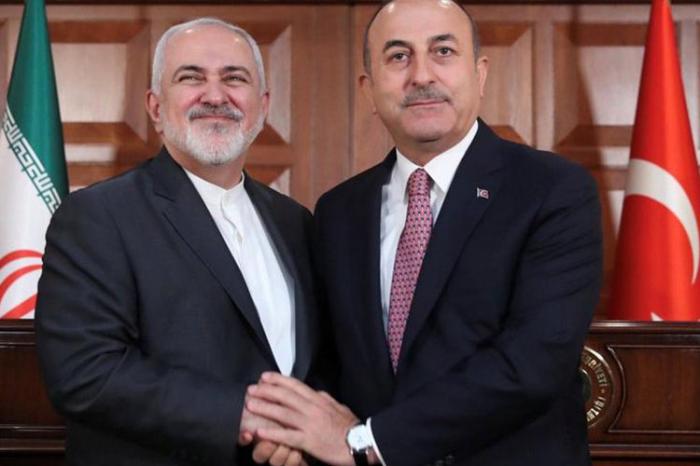 Cavusoglu rencontre son homologue iranien à Bakou