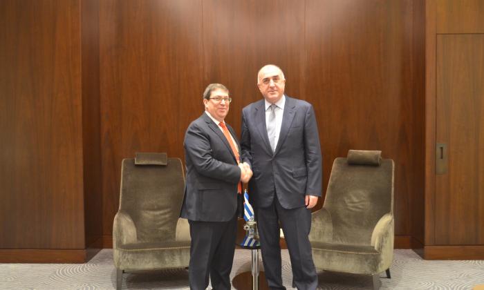 Azerbaijani, Cuban FMs meet in Baku