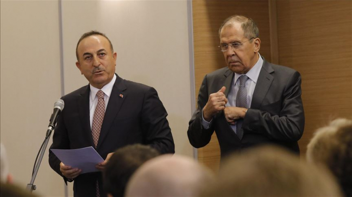 Turkish, Russian top diplomats discuss Syria over phone