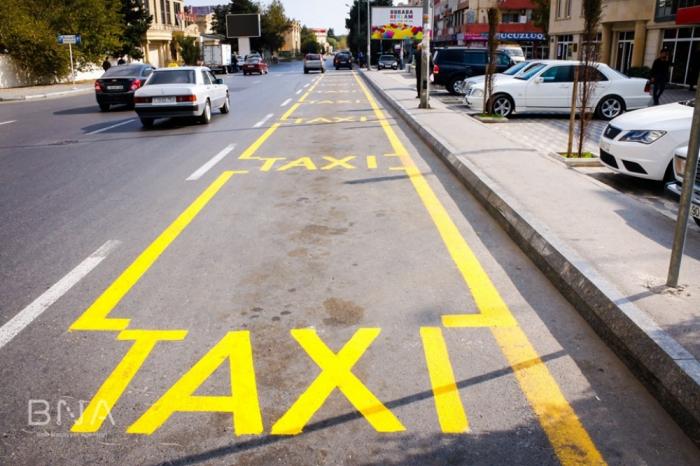 Bakıda 12 küçədə taksi duracaqları yaradılıb - FOTOLAR
