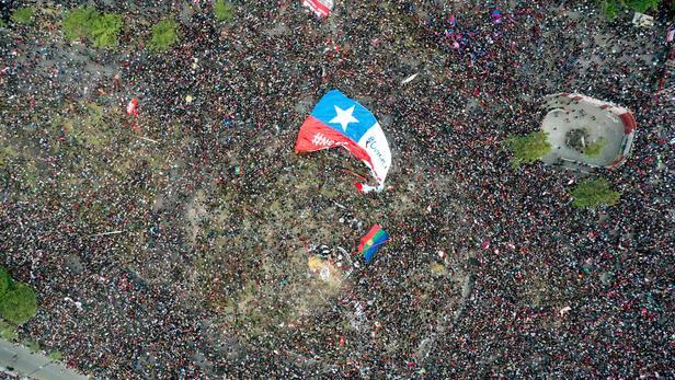 Chili: le président Piñera annonce un remaniement du gouvernement
