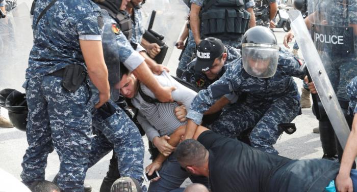 Varios manifestantes heridos en enfrentamientos con militares en el Líbano