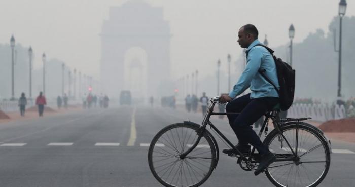 Delhi fights hazardous pollution after Diwali party