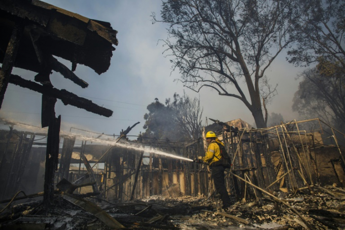 Evacuations as wildfire breaks out in Los Angeles