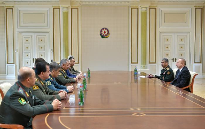 Prezident MDB Müdafiə nazirlərini qəbul edib - FOTOLAR (Yenilənib)