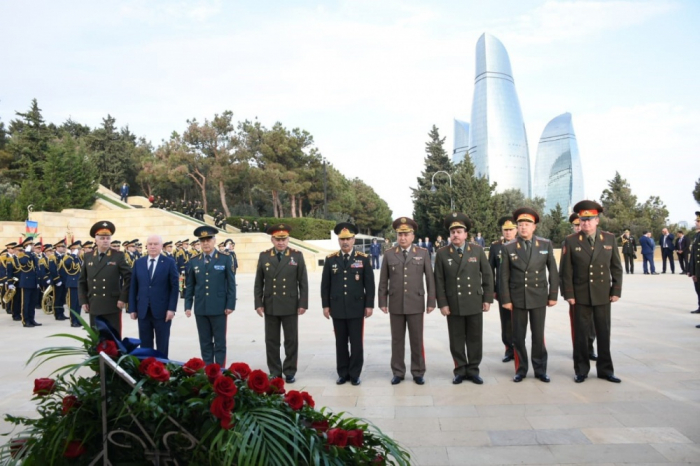 Participants of meeting of CIS Council of Defense Ministers pay respect to Azerbaijani martyrs
