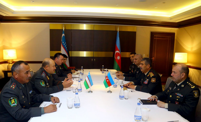 Azerbaijani Defense Minister meets his Uzbek counterpart