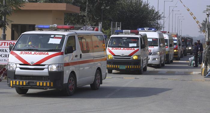 Al menos 10 muertos y 30 heridos en un incendio en un tren en Pakistán
