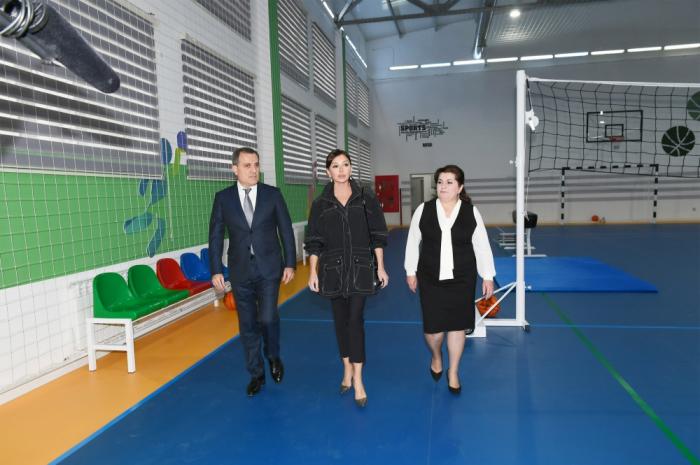 Mehriban Əliyeva 10 saylı internat məktəbində — FOTO