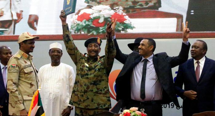 """بعد مبايعته من قبل أنصاره """"أميرا للمؤمنين""""... عبد الحي يوسف يهدد ويتوعد الحكومة السودانية"""