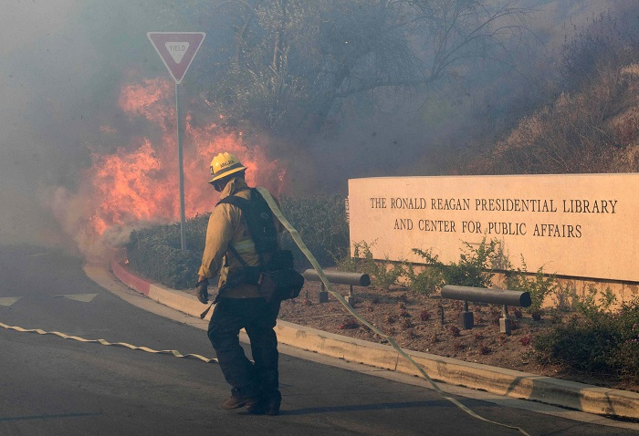 California wildfire threatens Reagan library