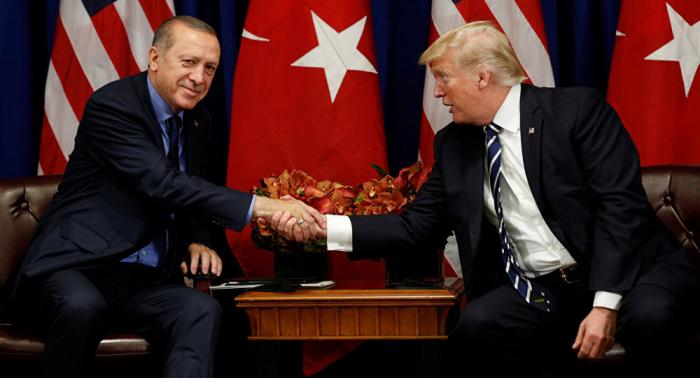 محلل سياسي تركي: التهديد الأمريكي لأنقرة رسالة للداخل ولا قيمة له