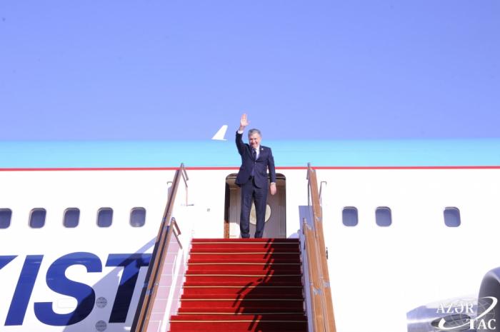Uzbek President Mirziyoyev completes visit to Azerbaijan