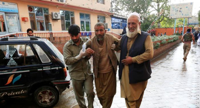 """""""مشهد يفطر القلب""""... ارتفاع حصيلة الهجوم على مسجد في أفغانستان إلى 62 قتيلا"""