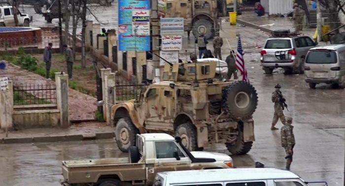 خروج آخر مدرعات أمريكية من منبج باتجاه جسر مؤد لريف حلب الشرقي