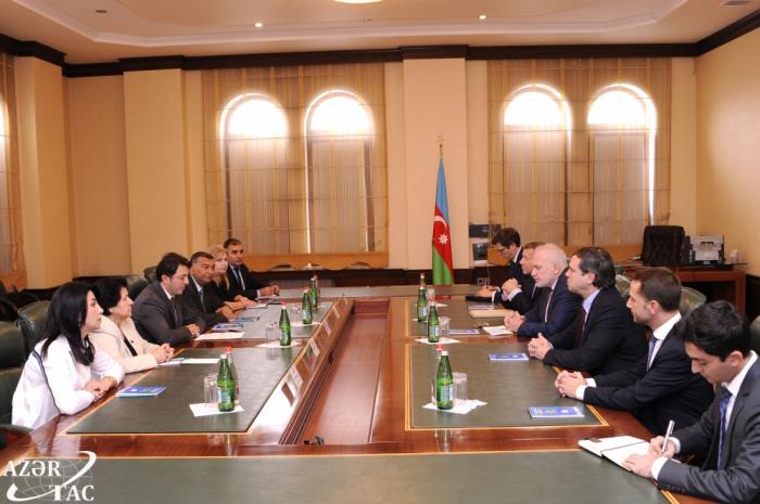 رئيس الجالية الأذربيجانية يلتقى في كاراباخ بالرؤساء المشاركين