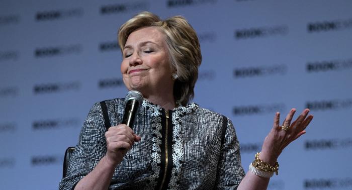 """هيلاري كلينتون تنشر رسالة """"مهينة"""" شبيهة برسالة ترامب إلى أردوغان"""