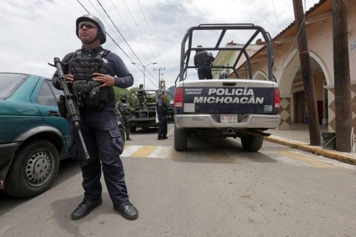 Meksikada 14 polis güllələnərək öldürülüb