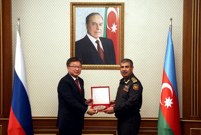 Zakir Həsənov Rusiyanın Baş hərbi prokuroru ilə görüşüb