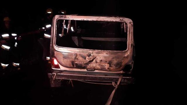 Kürdəmirdə avtomobil yanıb