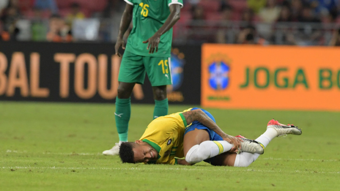 Neymar vuelve a lesionarse y preocupa a Brasil y al PSG
