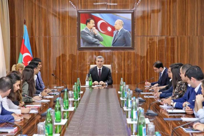 """Xidmət rəisi """"GəncLİK"""" proqramının iştirakçıları ilə görüşüb"""