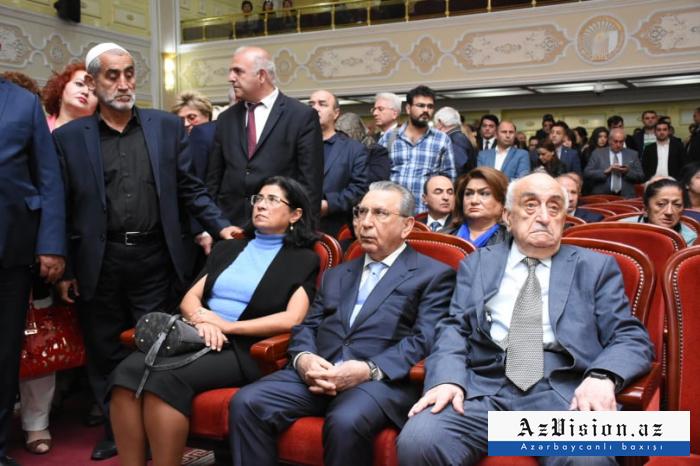Dövlət rəsmiləri akademiklə vida mərasimində - FOTOLAR