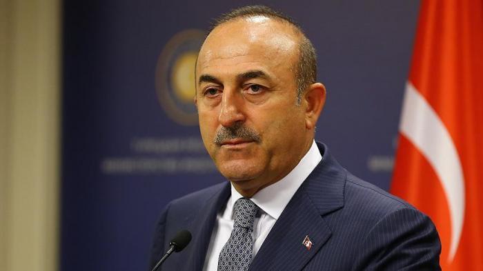 Cavusoglu felicita a Azerbaiyán por el Día de la Independencia