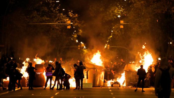 Los disturbios de Barcelona como atracción para cazar