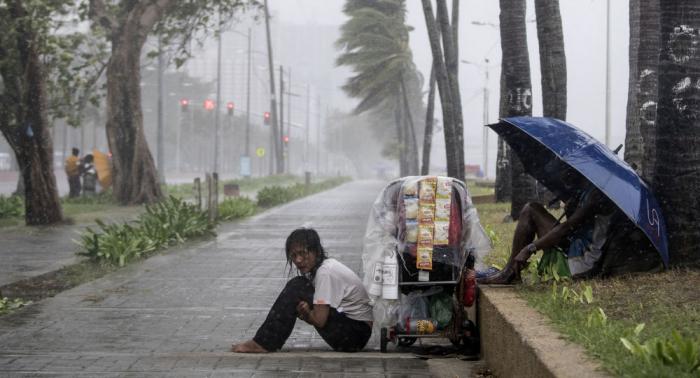 الإعصار هاجيبيس يقتل 18 شخصا في اليابان
