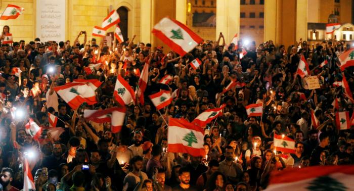 مقاطع تشعل تويتر... هكذا رد متظاهرو لبنان على كلمة حسن نصر الله