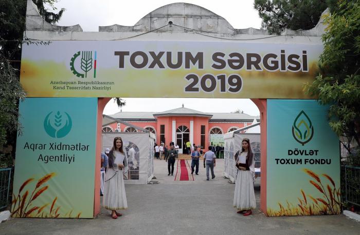"""""""Respublika toxum sərgi-satış"""" yarmarkası keçirilib"""