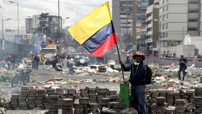 Ecuador procesará por terrorismo a decenas de manifestantes detenidos