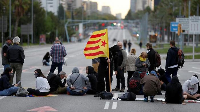 Separatisten legen Katalonien lahm